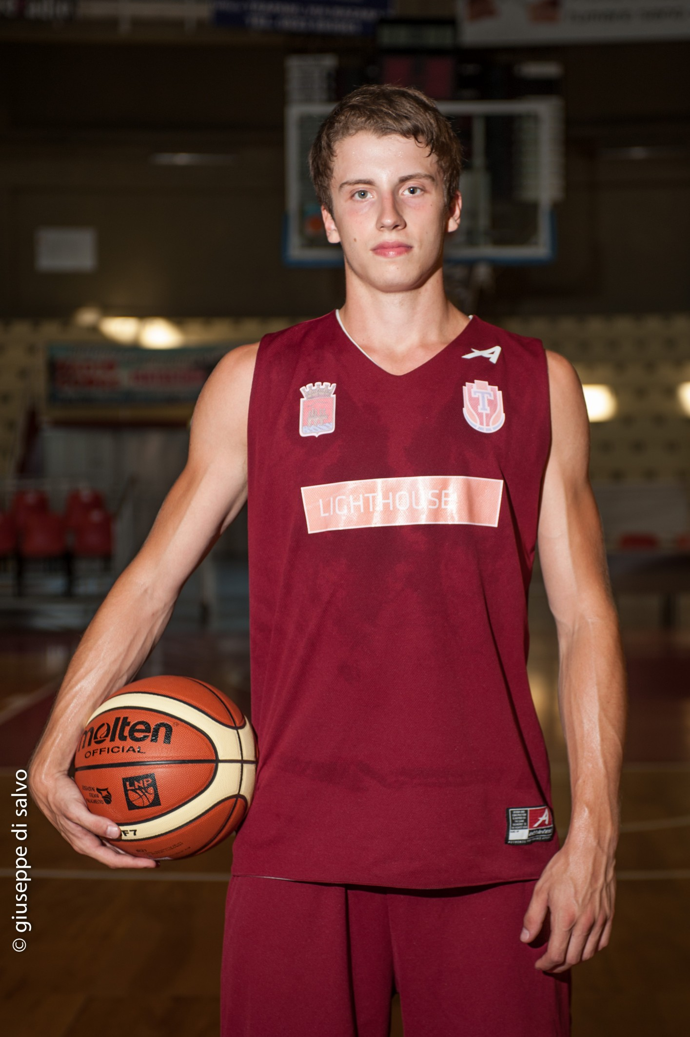 Roseto basket societ acquista la guardia lorenzo bartoli for Piscina olimpia milano