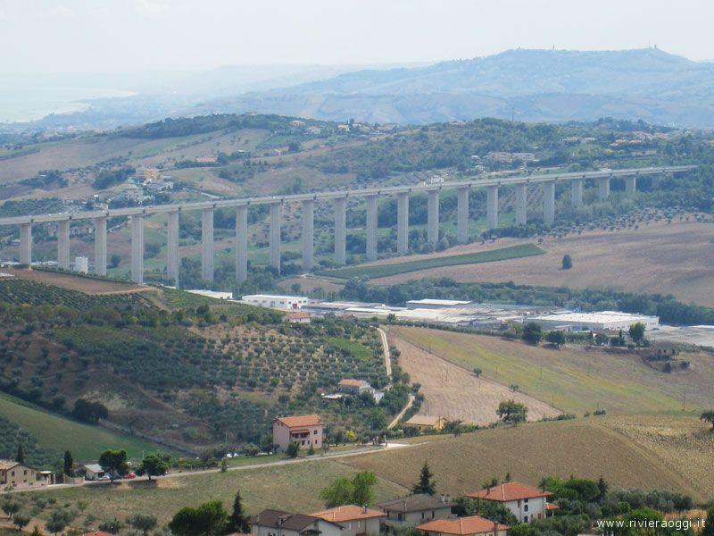 Tortoreto – Tenta il suicidio prima scalando un pilone del Ponte sul  Salinello della A14 7a36099695f